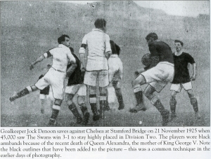 Contmeporary newspaper picture on the 1925 game